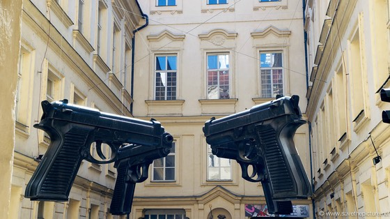 Pistol art Prague, at gun point!